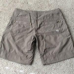 Mountain Hardwear Hiking shorts. Size 10.